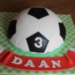 Halve voetbal taart