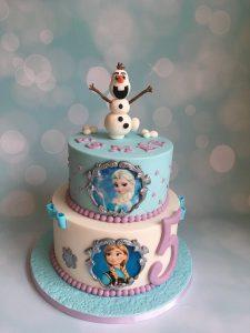 Vrolijke Frozen taart