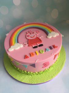 Peppa Pig regenboog taart