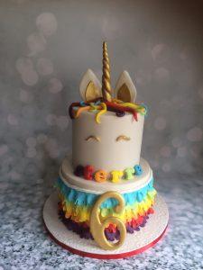 Unicorn met hoorn stapeltaart