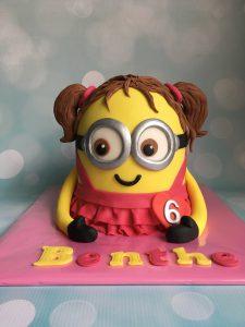 Meisjes Minion taart