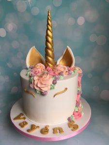 Unicorn fondant taart