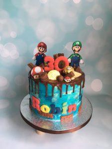 Creme Mario driptaart met chocolade